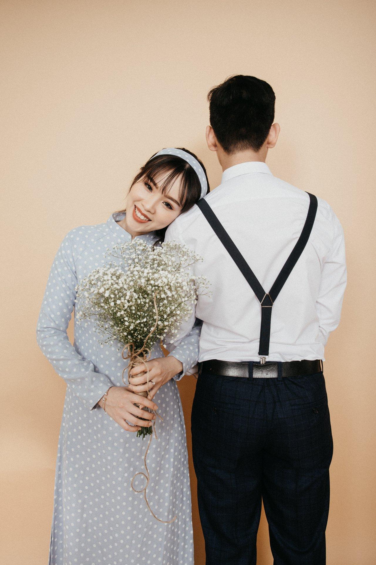 Bộ ảnh cưới indoor chụp tại Tròn