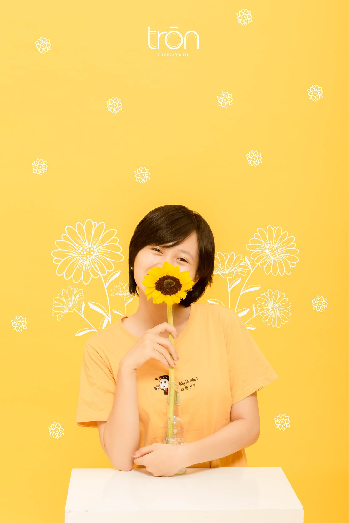 Copcept yellow-girl